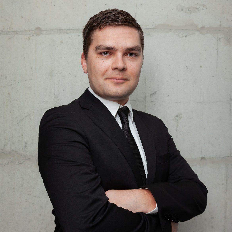 Valentin Yurmanov